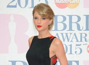 Taylor Swift Snubbing Apple Music By Refusing To Let '1989' Be Available