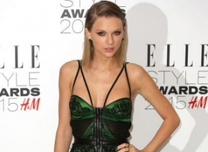 Taylor Swift named Woman of the Year at the ELLE Style Awards