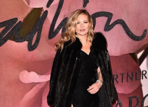 Kate Moss Makes Andrew Lincoln's Dreams Come True In Lovely Love Actually Sequel