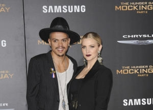 Ashlee Simpson And Evan Ross Recording Album Together