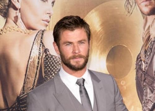 Chris Hemsworth And Tom Hiddleston Delight Fans At Children's Hospital