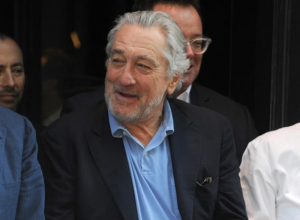 Could Robert De Niro Join Todd Phillips' Joker Origin Film?