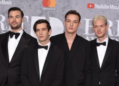 Matt Healy Thinks The 1975 Are Banned From Dubai After Kissing Male Fan