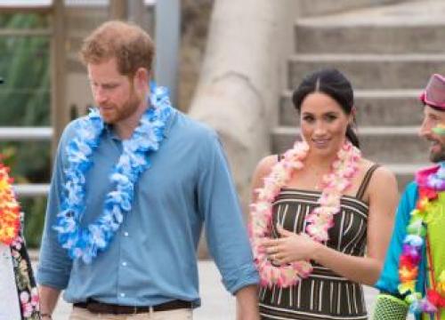 Duchess Meghan Wears Chic Maxi Dress On Bondi Beach