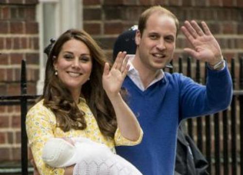 Carole and Pippa Middleton visit royal baby