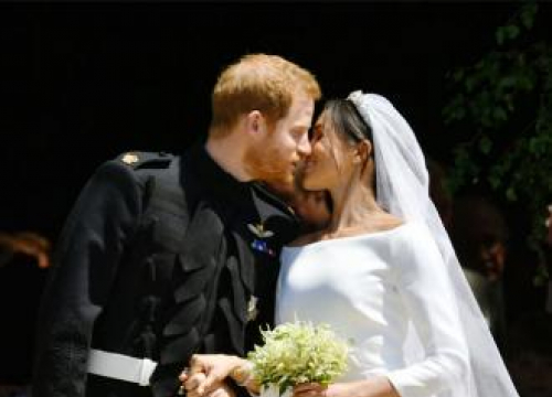 The Duchess Of Sussex's Wedding Bouquet Is Laid On The Grave Of The Unknown Warrior