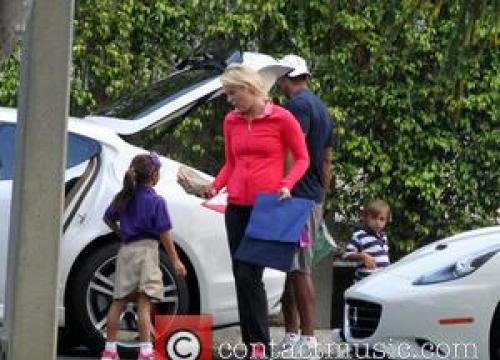 Tiger Woods' Former Mistress Is Divorced