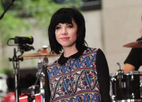 Carly Rae Jepsen Thrilled With Boyfriend's New Video