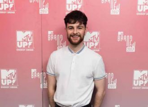 Tom Grennan And Everything Everything For Kendall Calling's Nye Bash