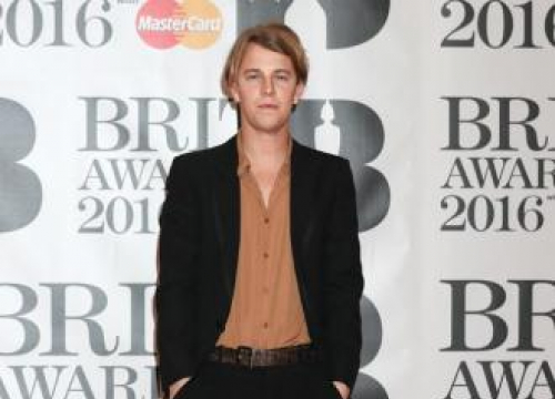 Tom Odell Doesn't Drink Much Before He Performs Anymore