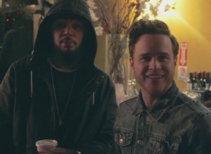 Olly Murs & Travie McCoy - Wrapped Up / Treasure Mashup Video