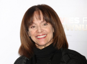 Valerie Harper Rushed To Hospital During Theatre Performance