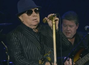 Van Morrison - Bring It On Home To Me [Live] Video