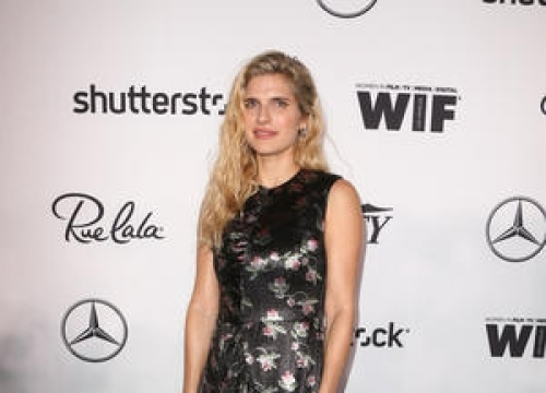 Lake Bell Confirms She's Expecting Second Child By Debuting Baby Bump
