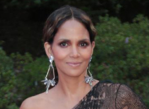 Halle Berry Claims Her Oscar Win