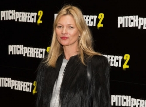 'Disruptive BehavIour' Reportedly Gets Kate Moss Escorted Off Easy Jet Flight