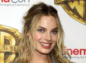 Margot Robbie To Host Season Premiere Of 'Saturday Night Live'