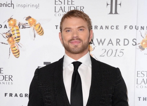 Kellan Lutz 'Using Dating App' To Find Love