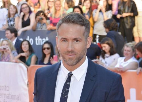 Ryan Reynolds Paid Deadpool Screenwriters' Salaries