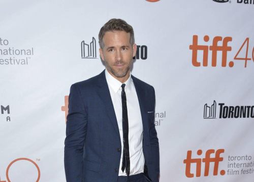 Ryan Reynolds To Unveil Last Hollywood Walk Of Fame Star Of 2016