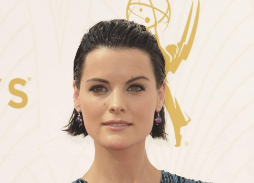 Jaimie Alexander Having Terrible Fish Tattoo Removed