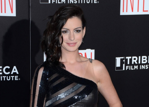 Anne Hathaway To Star In Jenny Mollen Book Adaptation
