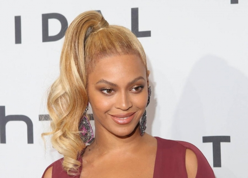 Beyonce Earns Sixth Number One Album