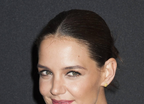 Katie Holmes Cooked To Decompress On Touched With Fire Set