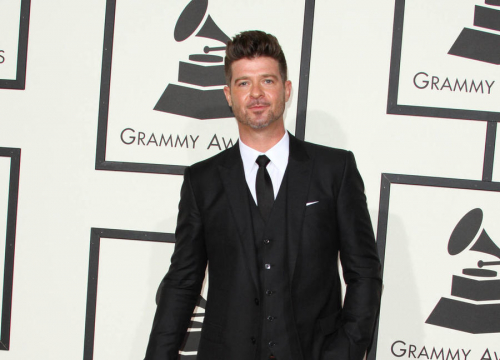Robin Thicke To Honour Late Dad Alan At National Hockey League Gala