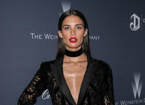 Model Sara Sampaio Blasts Paparazzi For Topless Photos