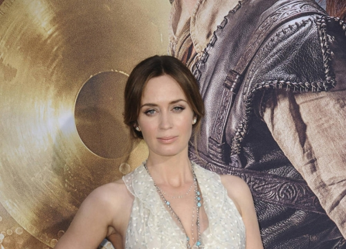 Justin Theroux Quizzed Emily Blunt About Pregnancy After Fight Scene