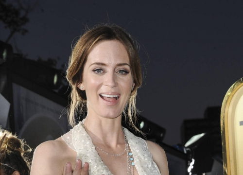Justin Theroux Guessed 'Lazy' Emily Blunt's Pregnancy While Filming