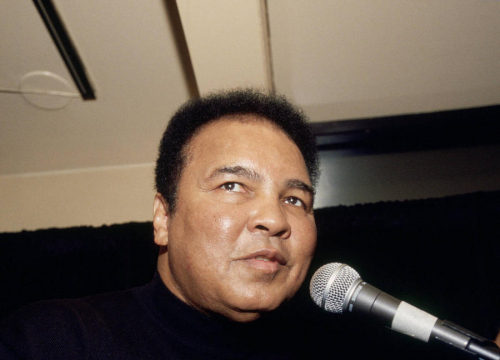 Muhammad Ali's Son Planning To Sue Over U.s. Airport Detainment