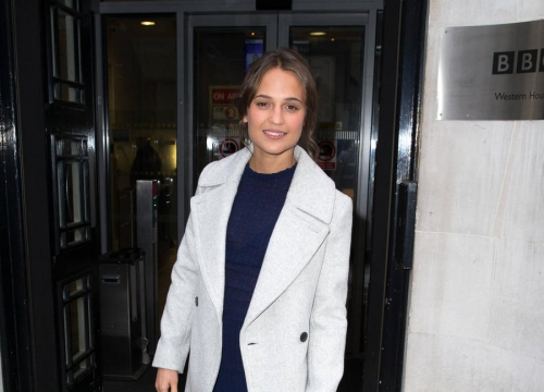 Alicia Vikander Terrified To Learn 'Australian' Accent For New Movie
