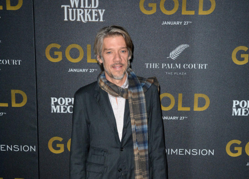 Stephen Gaghan Directing The Division Adaptation