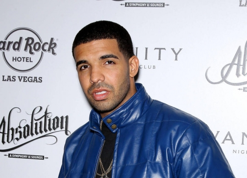 Drake Trips Over Rihanna's Gown Backstage At Mtv Vmas