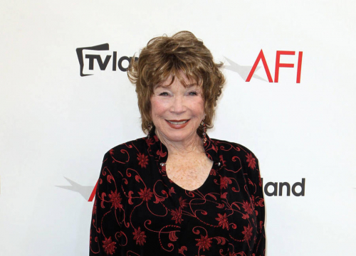 Shirley Maclaine Still Struggling With Brother's Oscars Flub