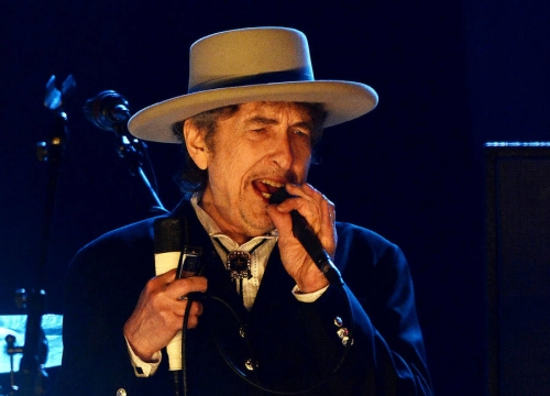 Bob Dylan's Failure To Acknowledge Nobel Prize Is 'Arrogant'
