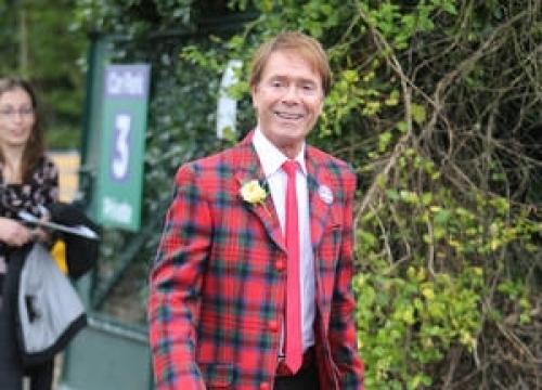 Cliff Richard Plots Comeback Gigs