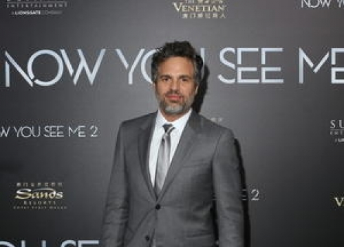 Mark Ruffalo And Michael Moore To Take Part In Anti-trump Demonstration