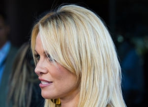 Pamela Anderson Launches Online Culinary Show As She Preps Vegan Cookbook