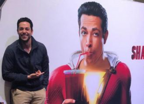 Zachary Levi Unveils Shazam! Costume