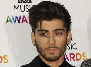 Zayn Malik Tweets His Support For New One Direction Single 'Drag Me Down'