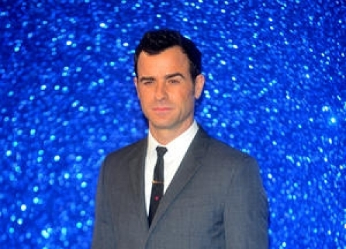 Justin Theroux: 'Jennifer's Birthday Plans Are Taking A Toll On My Credit Card!
