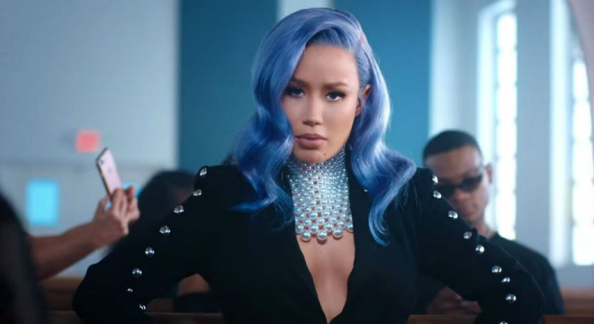 Iggy Azalea - Sally Walker Video