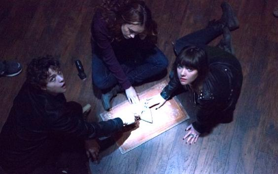 'Ouija' Cast Joined By Fellow TV Stars For Hollywood's Spookiest Social Seance [Video]