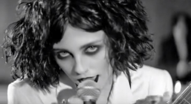 Pale Waves - Kiss Video