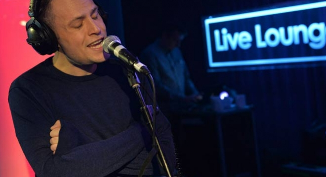 The Maccabees - Hello (Adele cover) [Live] Video