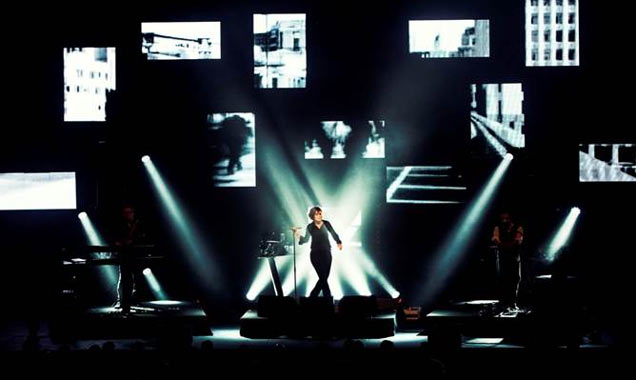 Alison Moyet Announces Live Album 'Minutes And Seconds - Live' And New Winter 2014 Gig Dates