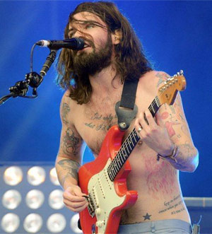 Biffy Clyro Announce New Single 'Black Chandelier'